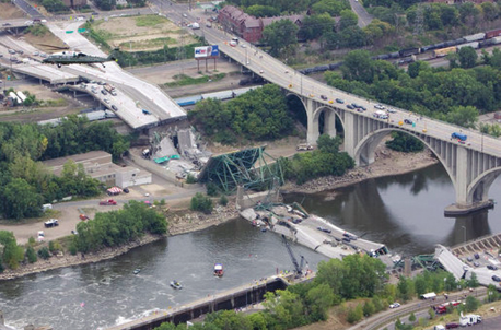 The I35W eight-lane Mississippi River bridge in Minneapolis, Minnesota before the collapse.